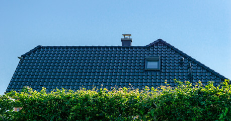 house with roof - black tiles