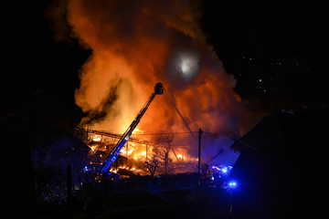 Fototapete - Feuer Großbrandsstelle Haus