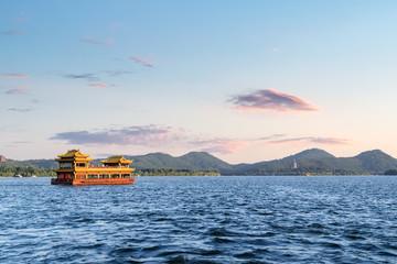 Fotobehang - beautiful west lake at dusk, hangzhou