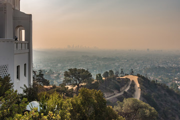 Fotomurales - Famous Griffith observatory in Los Angeles california