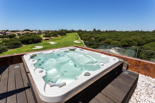 Jacuzzi bath with hydromassage on the roof of the villa.