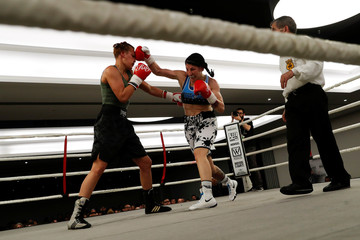 """Miriam Gutierrez """"La Reina"""", 36, punches Bianka Nagy in the face during a boxing match in Barcelona"""