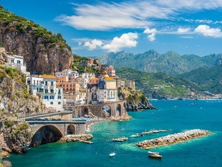 Photo sur Plexiglas Vieux rose Landscape with Atrani town at famous amalfi coast, Italy