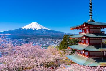 Fotobehang Blauwe hemel 日本の景色