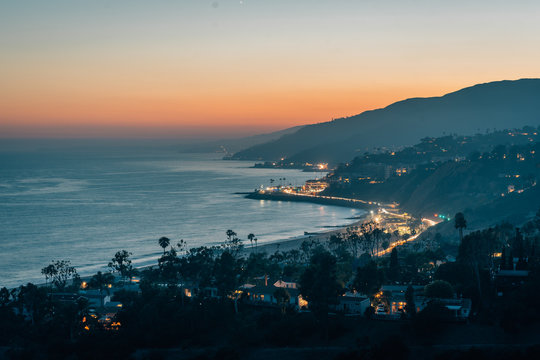 Sunset view of the Pacific Coast, in Pacific Palisades, Los Angeles, California