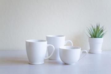 白いコーヒーカップ シンプルな背景素材