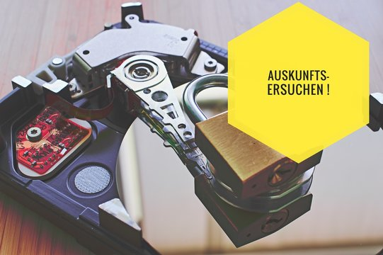 Hard disk and padlock with in german Auskunftsersuchen in English requests for information