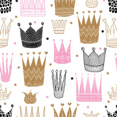 Lamas personalizadas infantiles con tu foto Princess crown. Kids vector seamless pattern. Can be used in textile industry, paper, background, scrapbooking.