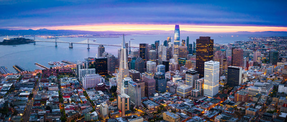 Aerial View of San Francisco Skyline at Sunrise Fototapete