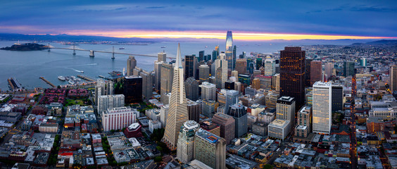 Fototapete - Aerial View of San Francisco Skyline at Sunrise