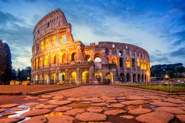 Colosseum morning in Rome, Italy. Colosseum is one of the main attractions of Rome. Rome architecture and landmark. Fototapete