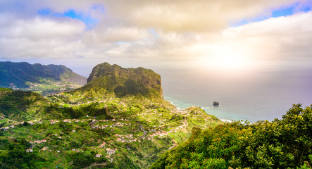 Landscape scenery from Portela Viewpoint - Porto da Cruz at beautiful coast and mountains in the north of Madeira island - Ribeira Frio-Portela, Portugal. Fototapete