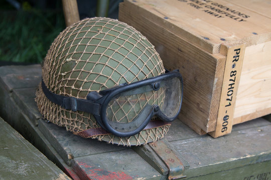Helmet and tactical glasses of the American soldier of the Second World War period