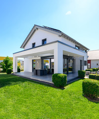 modernes hochwertiges Einfamilienhaus