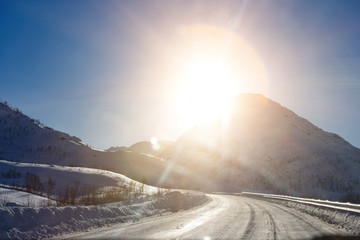 road at the norwegian mountains