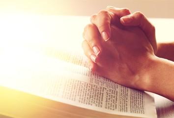 Praying. Fotomurales