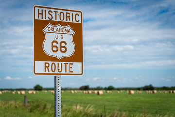 Fotobehang Route 66 Historic brown and white sign on US Route 66 in Oklahoma
