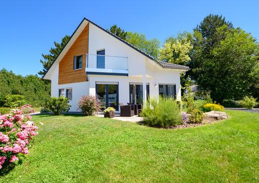 Einfamilienhaus mit Garten, hochwertig, Wohneigentum