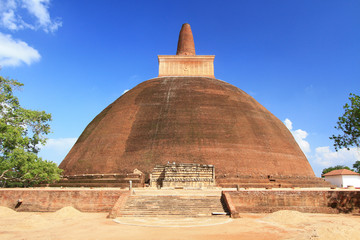 Fotomurales - Abhayagiri dagoba in Anuradhapura, Sri lanka.