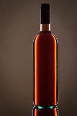 Flasche Rosewein im Hochformat