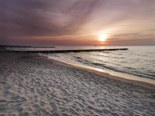 Morze zachód słońca - Dziwnówek Dziwnowo Falochrony