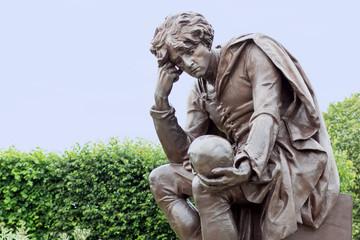 Statue of Hamlet Fototapete
