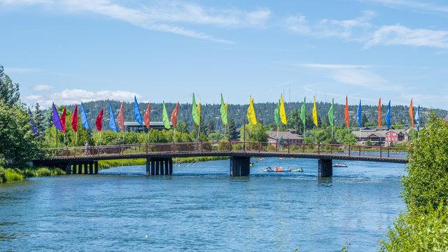 bridge over the Deschutes river