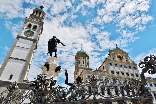 Augsburg, Augustusbrunnen, Perlachturm und Rathaus