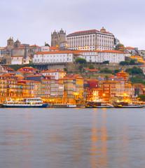 Fototapete - Porto old town embankment architecture