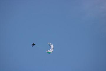 Kühnes Paragliding in Annecy