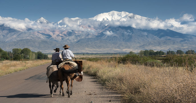 Argentinian gauchos on the road