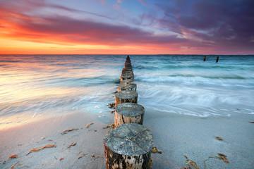 zauberhafter Sonnenuntergang am Strand