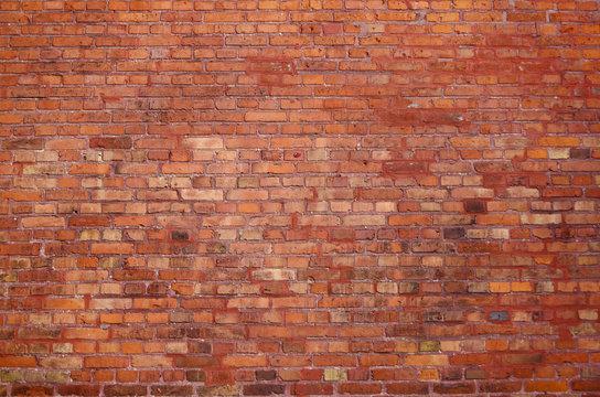 Alte Backsteinwand mit roten Bausteinen