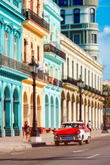 Poster Havana Classic car and colorful buildings in Old Havana