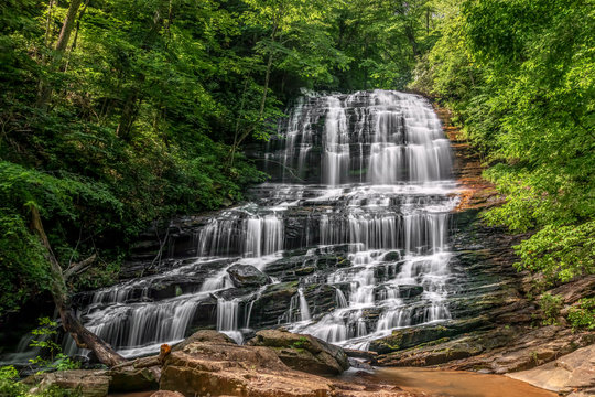 Pearsons Falls - Pearson's Falls is a beautiful 90 foot waterfall on Colt Creek in the foothills of Western North Carolina between Tryon and Saluda.