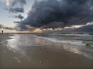 Morze zachód słońca - Dziwnówek Dziwnowo spacer po plaży