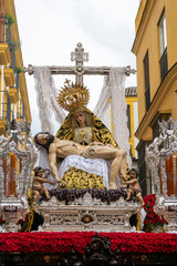 Fototapete - Hermandad de los Servitas, semana santa en Sevilla