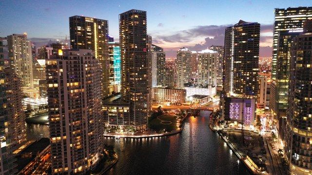 Brickell Key Into Miami River