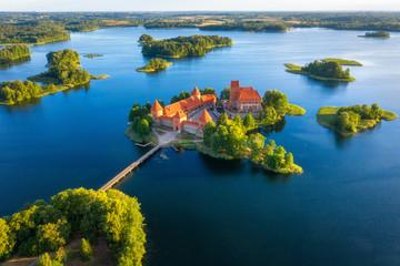 Trakai castle in Lithuania aerial view. Green islands in lake in Trakai near Vilnius Fototapete