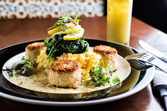 Fish cakes and grits