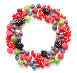 Wall Mural - circle frame made of berries isolated on white background