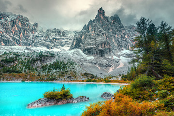 Wall Mural - Beautiful alpine landscape with turquoise glacier lake, Sorapis, Dolomites, Italy