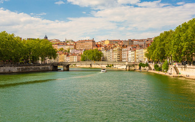 On the banks of the Saône
