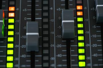 レコーディング機器
