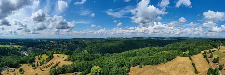 Panoramaaufname von oben von der Fränkischen Schweiz in der Nähe von Pottenstein/Deutschland