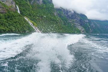 Mit dem Boot auf dem Geirangerfjord, Norwegen