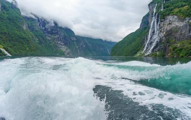 Mit dem Boot auf dem Geirangerfjord