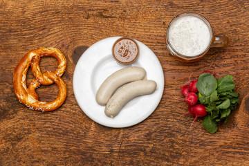 bayerische Weißwurst mit Brezel