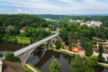 Kettenbrücke  und Fluss Elbe in Loket