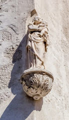 Vierge à l'enfant, rue des marchands, Avignon, France